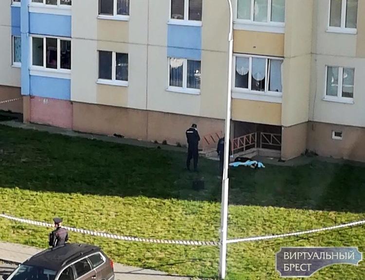 В Бресте за два дня с высотки и путепровода сбросились двое мужчин, один погиб
