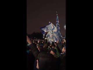 """Фаны """"Зенита"""" поют в Пулково"""