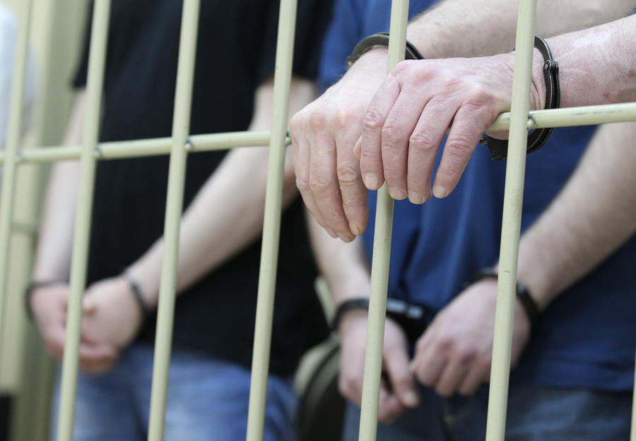Таджикскую группировку наркодилеров осудили в КЧР