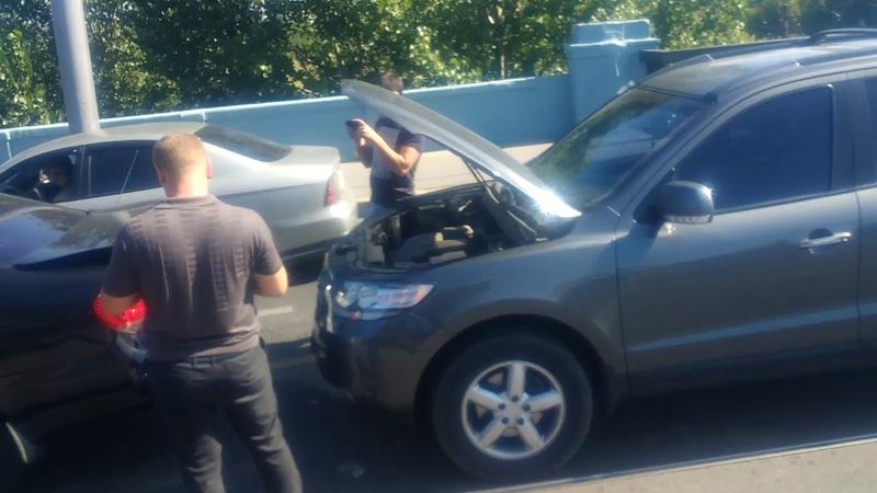 21.08 2019 ДТП групповой секс в зад 3 автомобилей. Московский проспект Велозаводской мост Харьков