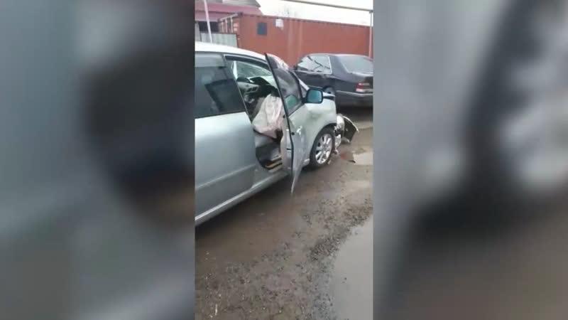 Пьяный водитель таранит блок пост в Алматы