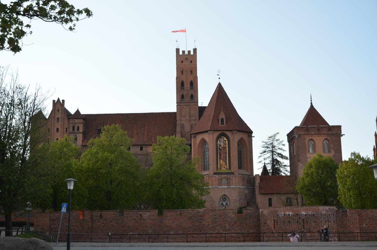 LjlThAaAP_g Квидзын - город крестоносцев в Польше.