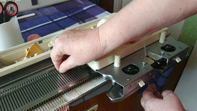 Вяжем бактус на вязальной машине. Ч.2 Начало вязания. Оформление кромок. Убавки