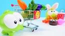 Om Nom sağlıklı beslenmek için market alışverişine gidiyor. Dükkan oyunu