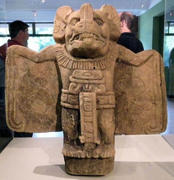 Статуэтка летучей мыши. Музей Гватемалы.