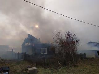 Пожар на ул. Сахалинка. Мама и пятеро детей остались без крыши над головой