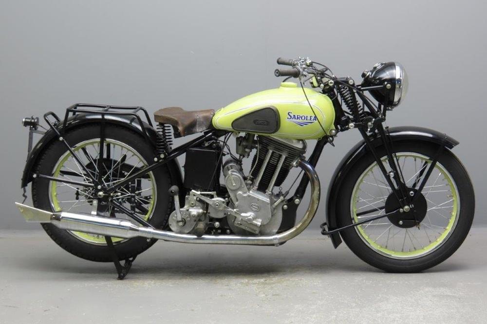 Старинный мотоцикл Sarolea 39 S-6 1939