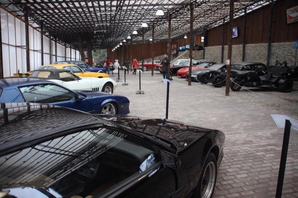 музей авто, ретро-автомобили, музей автомобильного искусства в Ялте