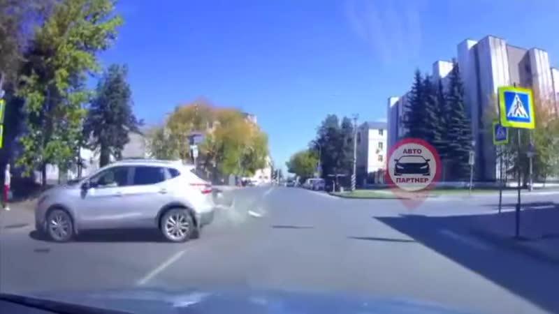 ДТП на перекрёстке Жиделева Громобоя