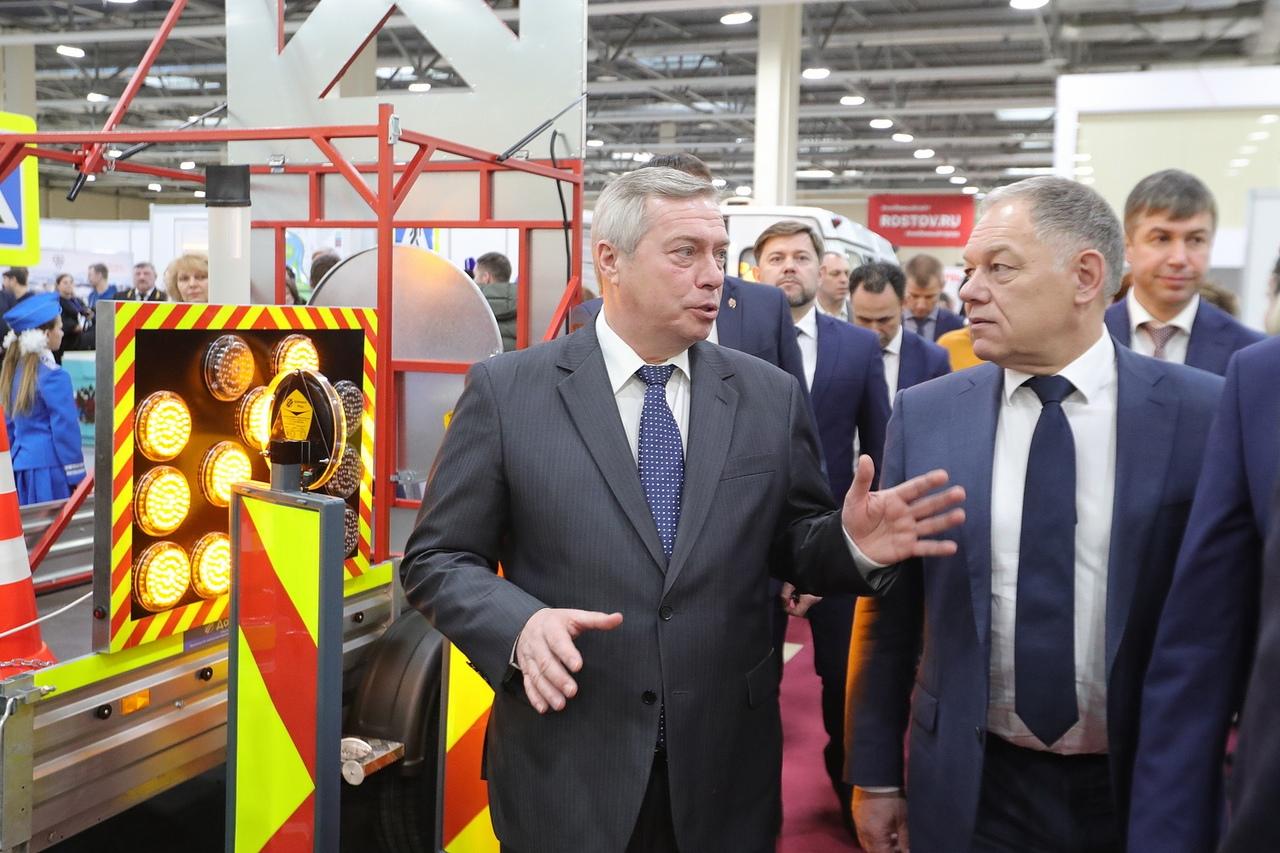 Губернатор Василий Голубев: «Жителей беспокоит качество дорог, поэтому работа по их улучшению остается приоритетной»