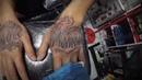 Тату на кистях. Татуировка надписи. Tattoo on the hands. Lettering Chicano style. Pattaya 2019