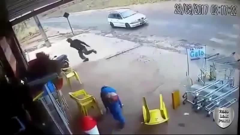 Бразилия Фавелы ограбление Стрельба и драка