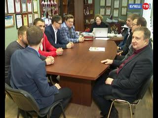 День учителя в пятом лицее отметят 11 мужчин: коллектив прирастает представителями мужской половины педагогической профессии