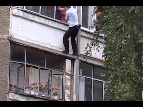 В Саранске мужчина чуть не выбросил в окно младенца. Ребенка спас участковый полицейский Василий Мар
