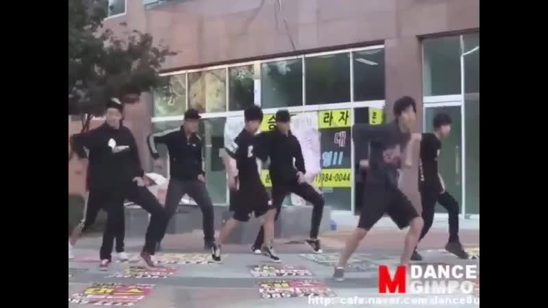 OMG PREDEBUT JUNGWOO DANCING TO EXO'S GROWL