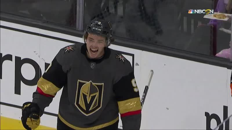 Коди Гласс забрасывает первую шайбу в НХЛ