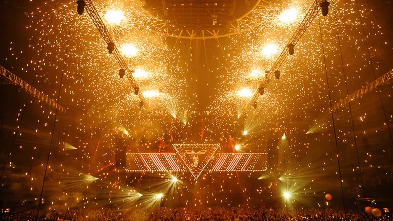 TRANSMIX by THE THRILLSEEKERS TRANSMISSION The Machine of Transformation 30 11 2013 Prague