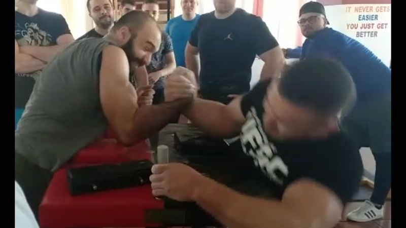 Daniel Barbu vs Daniel Procopciuc Right Arm 01 02 2020 Armwrestling Skandenberg