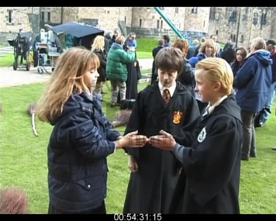 """Harry Potter Behind The Scenes on Instagram: """"Tom and Emma playing behind the scenes🥰 soo cute feltson 💖 •VIDEOS ARE NOT MINE! THEY ALL BELONG TO HUNTLEY FILM ARCHIVES"""""""