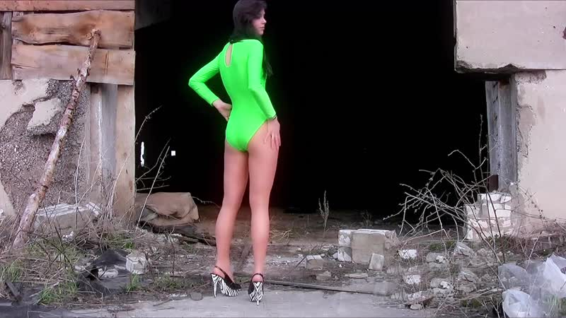Leggy NASTYA posing carefully in pantyhose outdoors Длинноногая НАСТЯ осторожно позирует в колготках на улице