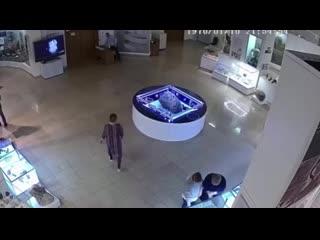 В музее Челябинска над метеоритом поднялся купол