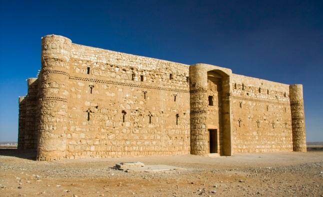 Замок Каср Аль-Харана - к западу от Аммана