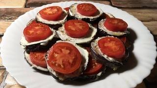 Жареные баклажаны с чесноком и помидорами