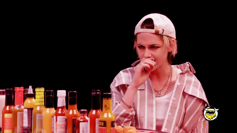 Kristen Stewart Brings the Angels to Eat Spicy Wings - Hot Ones