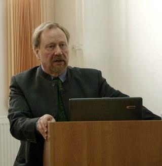 Профессор Маркку Кивинен на ис...