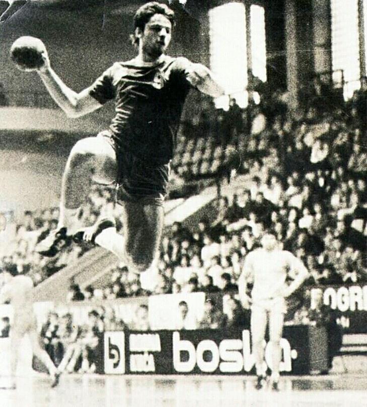 Судьба человека. Танцор с мячом, который сыграл на Олимпиадах за три сборные, но проиграл битву с раком, изображение №3