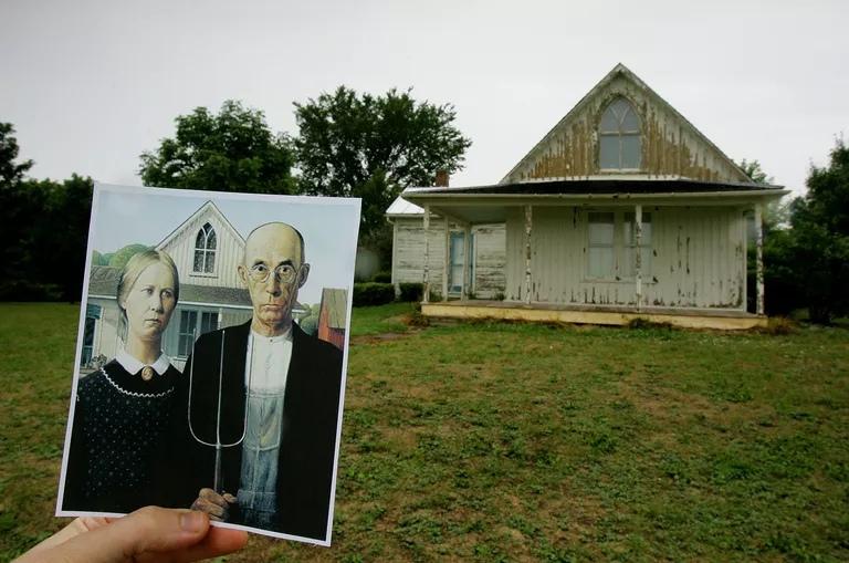"""Дом возрождения готики с картины Гранта Вуд """"Американская готика»"""