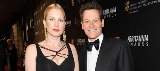 Актер Йоан Гриффит подал на развод с женой после 13 лет брака. Она узнала об этом из соцсетей