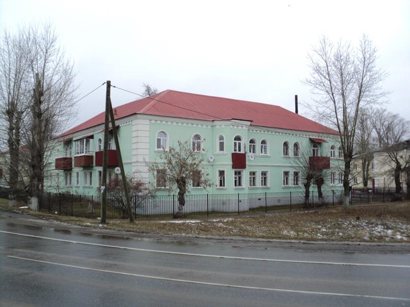 Типовая советская жилая архитектура 50-х годов в Белоомуте., изображение №6