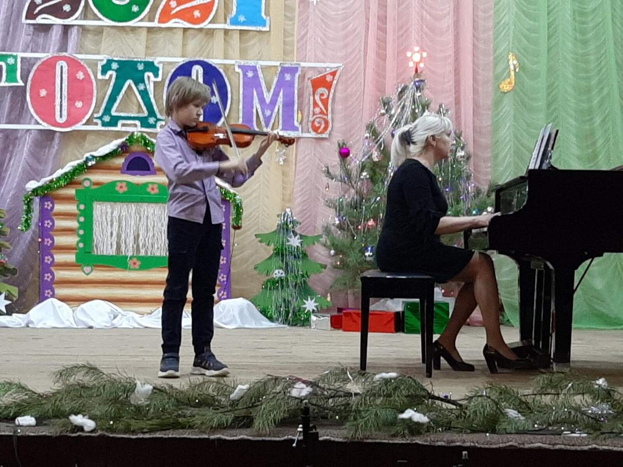Юные музыканты Петровска получили награды школьного конкурса