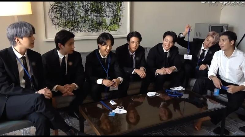 Видео от TAEKOOK mass media KTH JJK ≮