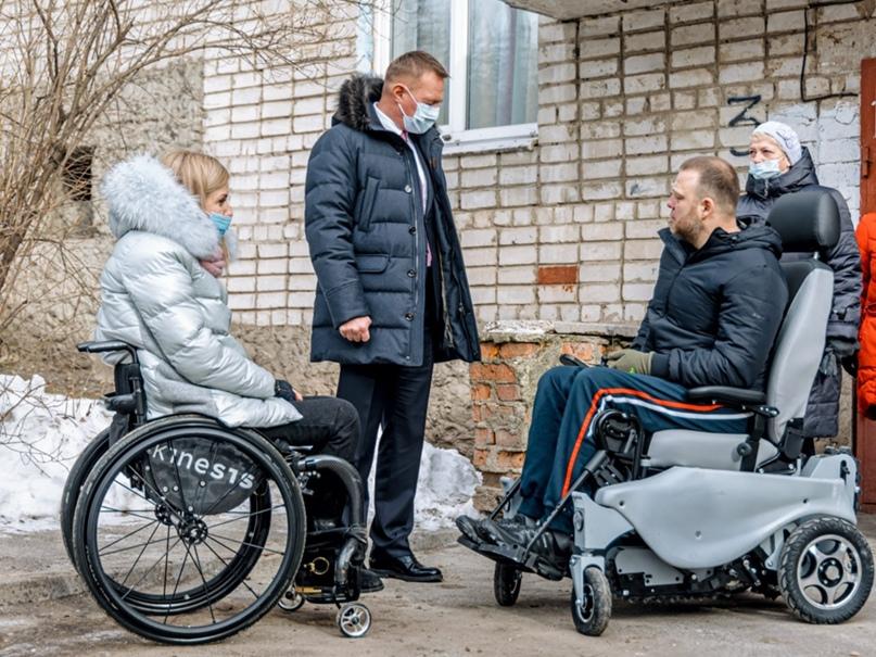 👍Роман Старовойт встретился с параспортсменом Александром Таничем. После обращен...