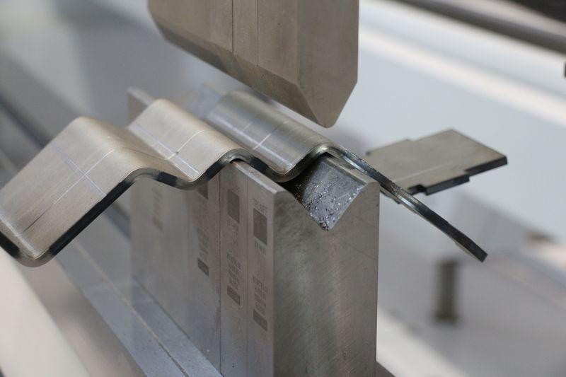 Услуги гибки металла на заказ