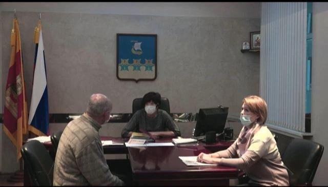 Глава Кимр Ирина Балковая теперь общается с населением только под видеокамеру
