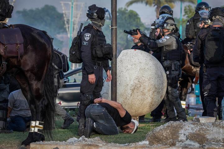 Мэр израильского Лода заявил о полной потере контроля над городом. Нетаньяху ввел режим ЧП