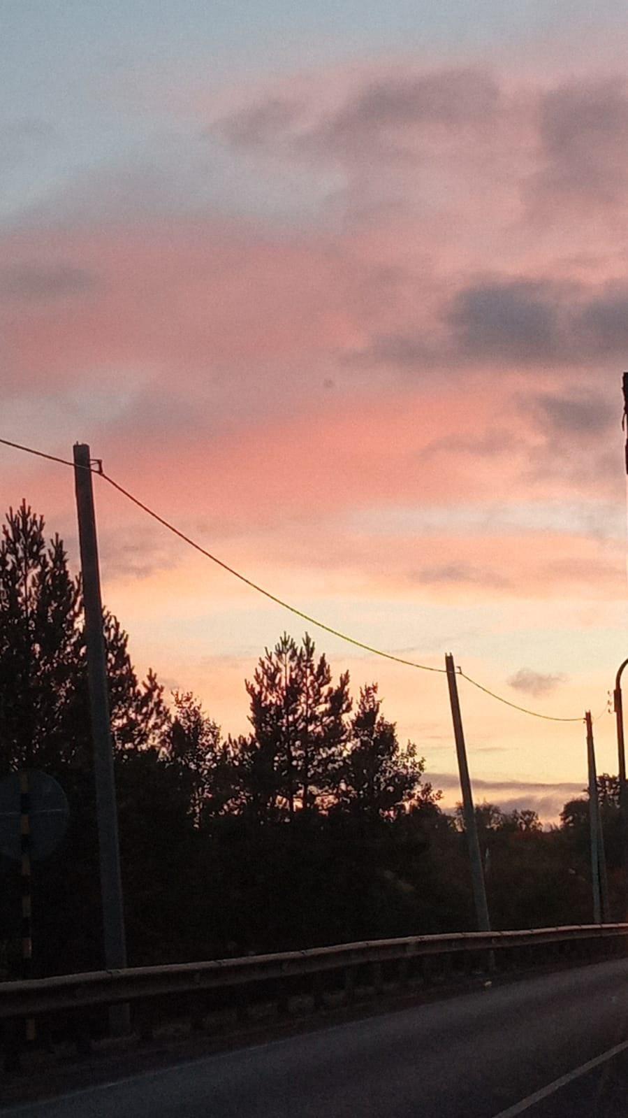 Делитесь своими фотографиями закатов в комментариях