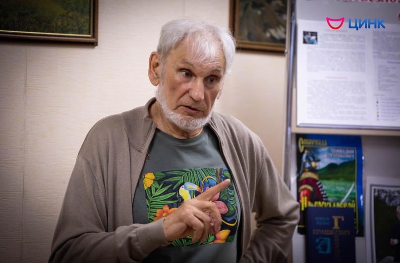«Рыцарь фантастики» провёл встречу в библиотеке Кольцово, изображение №4