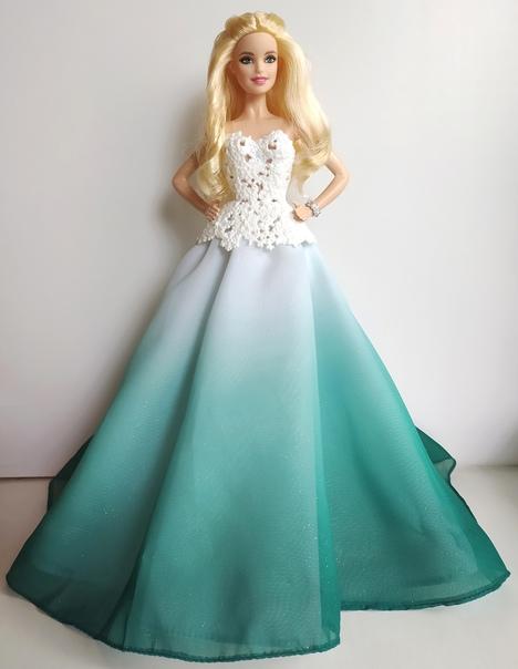 Екатерина Лондон: очень пышное, на удивление довольно симпатичное платье