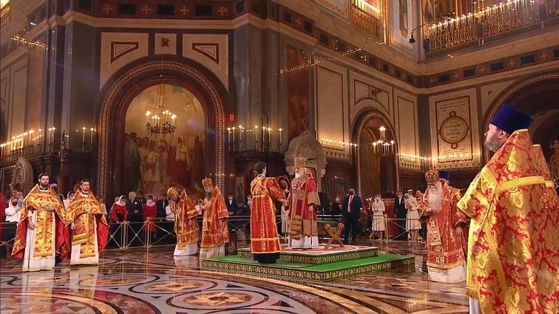 Кинокомпания «Союз Маринс Групп» на Пасхальном богослужении в Храме Христа Спасителя