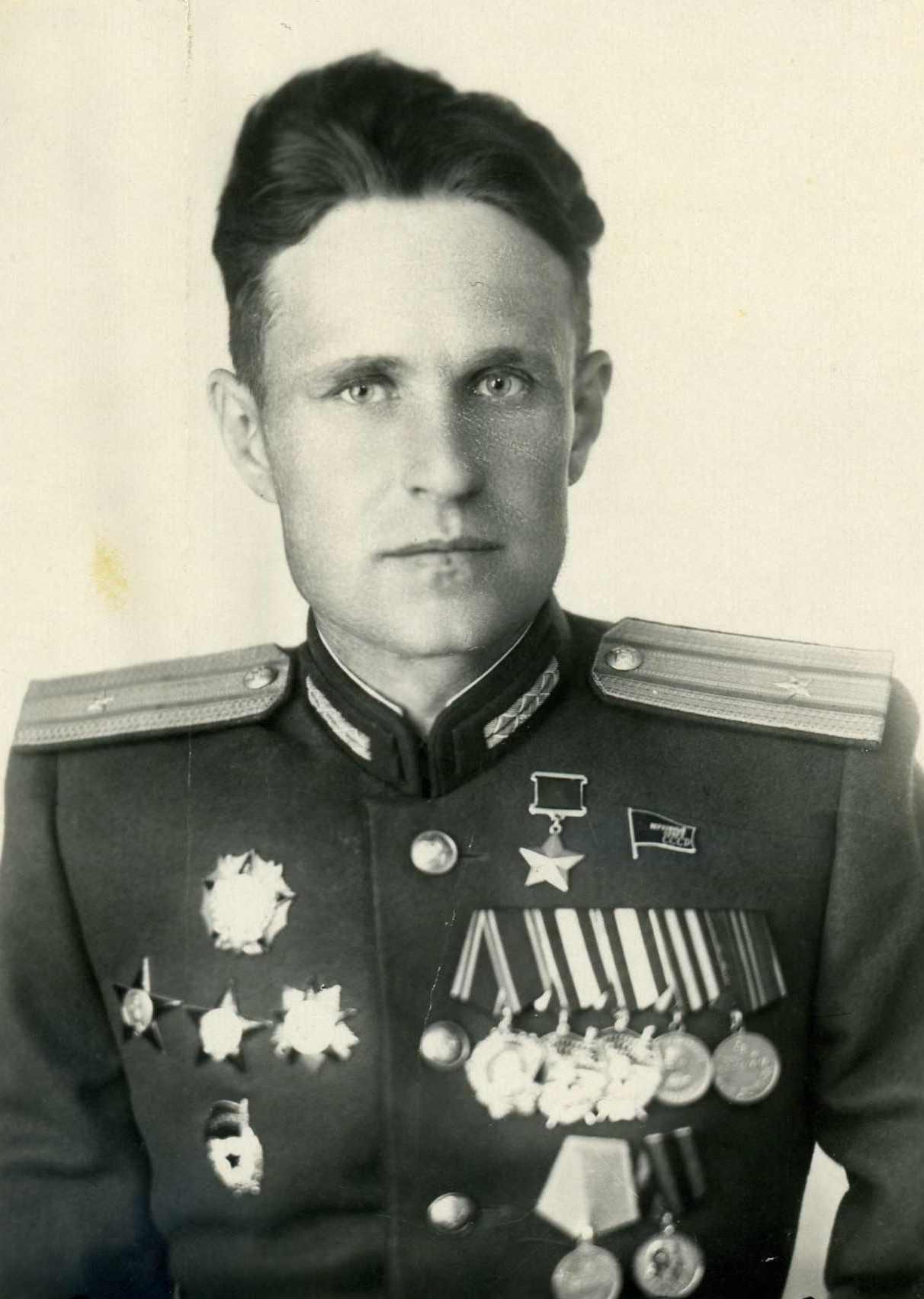 Ладутько Иван Иванович (1916-2011)