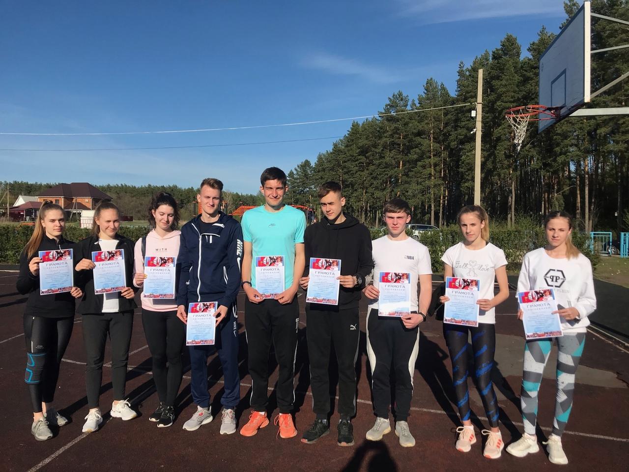Петровские спортсмены соревновались в легкоатлетических забегах