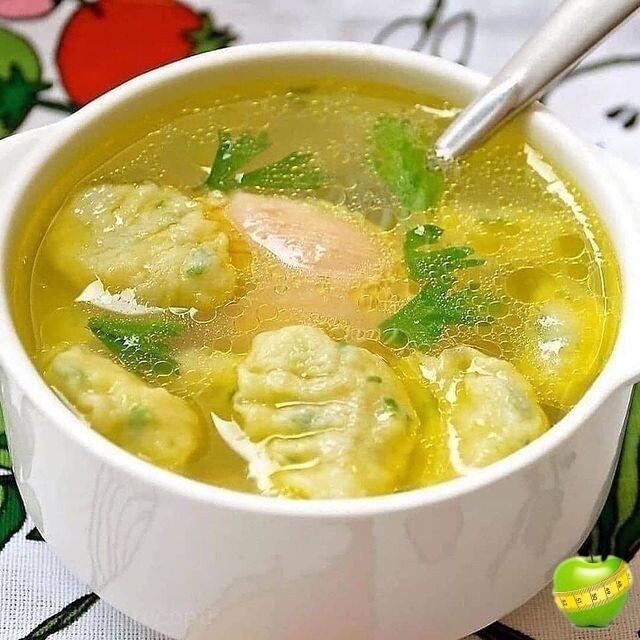Картофельный суп с галушками. ⠀⠀