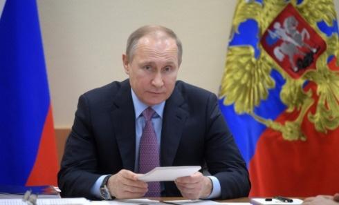 Путин поручил дать россиянам два дополнительных вы...