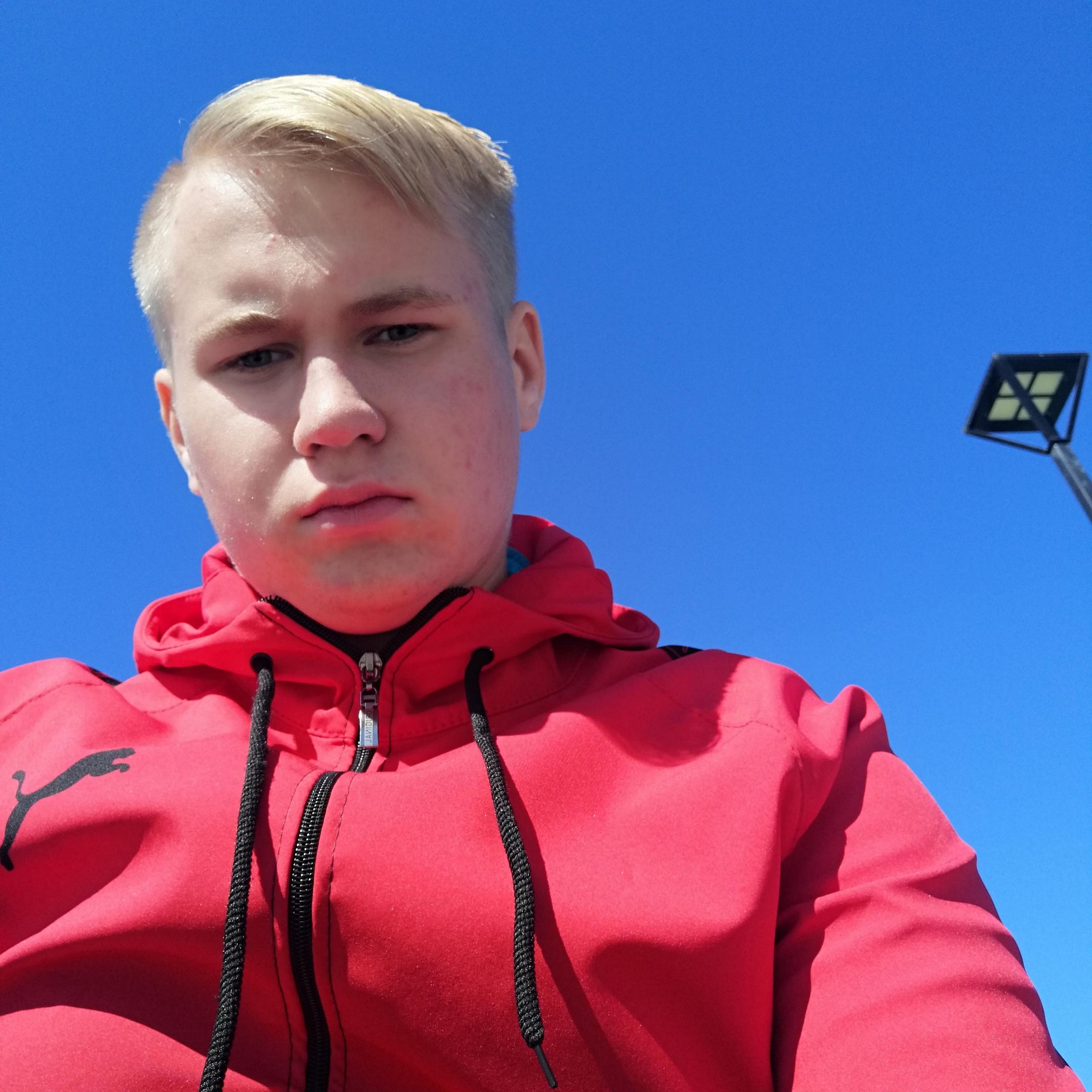Максим, 18, Mishelevka
