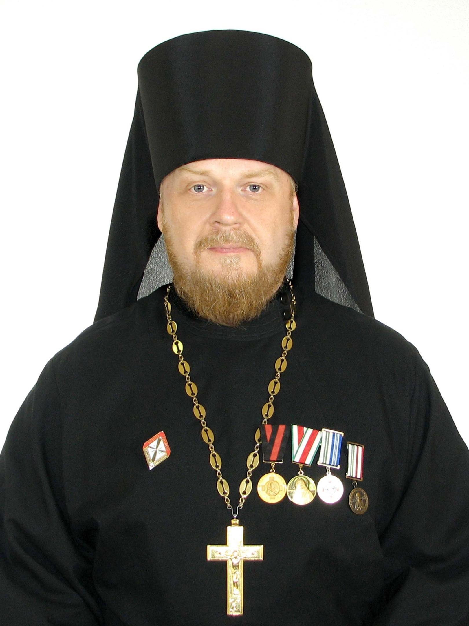 Настоятель храма Архистратига Божия Михаила иеромонах Антонин