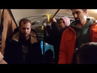 Видеообращение от задержанных одного из автозаков в очереди в спецприемник Сахарово